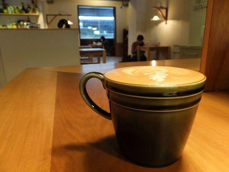 台北・台電大樓「喜鵲咖啡 Pica Pica Cafe」のカフェラテ