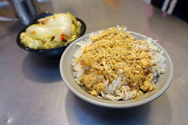 台北・楽華夜市「好吃雞肉」の雞絲飯