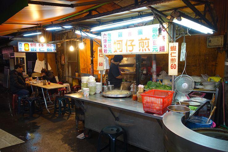 台北・臨江街夜市「阿吉雞蛋蚵仔煎」