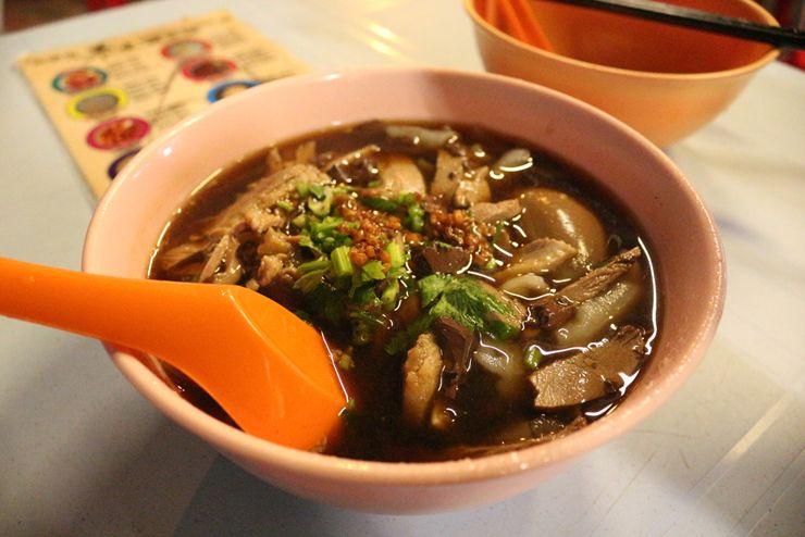 マレーシアの中華系料理「鴨粥粿汁」