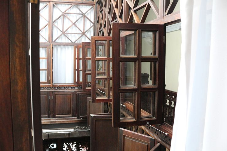 マレーシア・ジョージタウンのゲストハウス「Carnarvon House」のクラシカルな窓枠