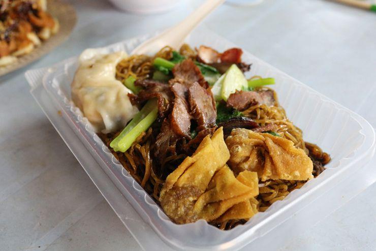 マレーシアの中華系料理「雲吞麵」