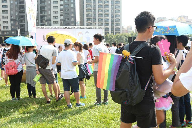 台中LGBTプライド2015の会場に集まる参加者