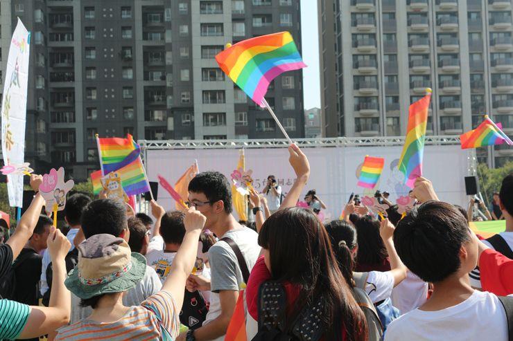 台中LGBTプライド2015のパレード出発