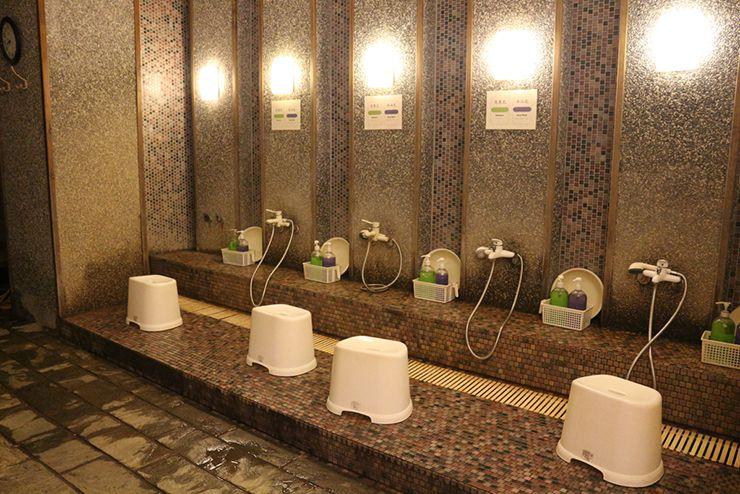 台北・北投温泉「百樂匯溫泉會館」のシャワースペース