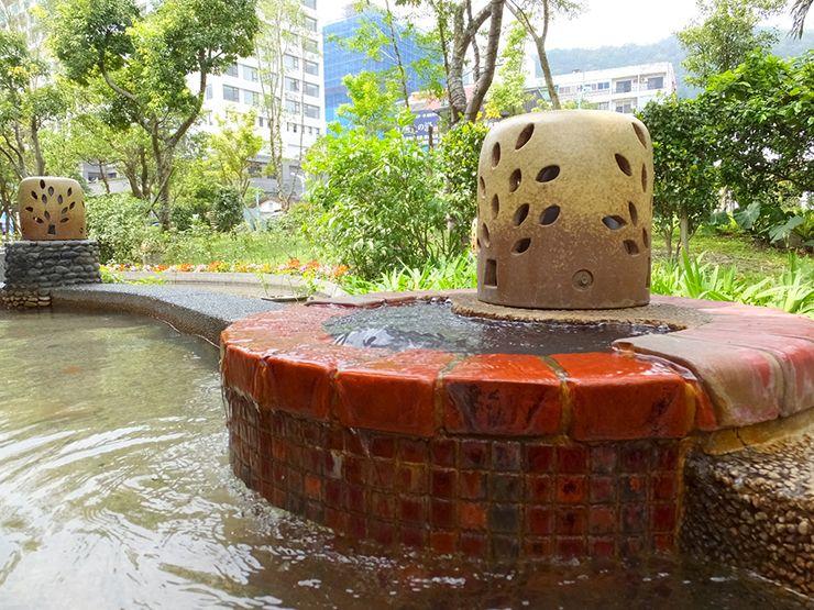 宜蘭・礁溪「礁溪溫泉公園」足湯の湧き出し口