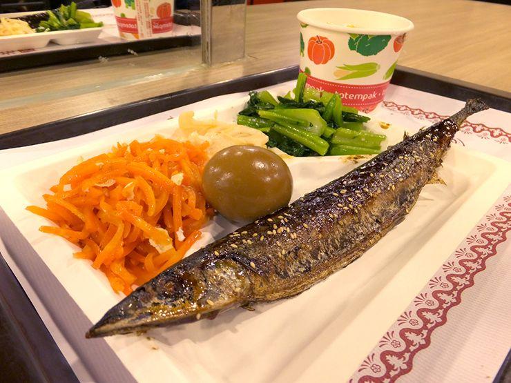 台湾式ビュッフェ「自助餐」