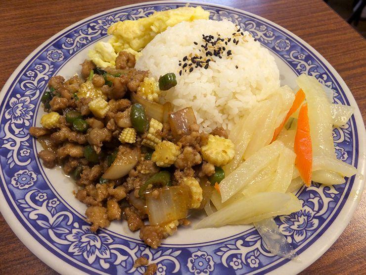 タイ料理のご飯メニュー「ガパオライス」