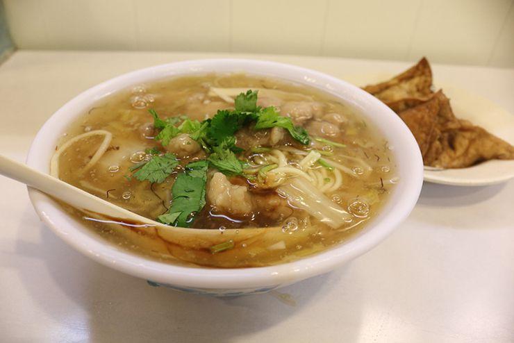 台北・西門「三代魚翅肉焿魯肉飯」の魚翅肉焿麵