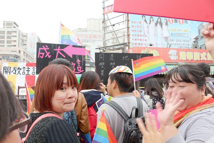 彩虹台南遊行(台南LGBTプライド)2015パレードに参加する女性たち