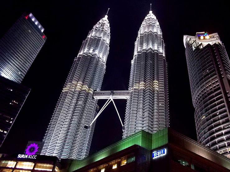 マレーシア・クアラルンプール「ペトロナス・ツインタワー」