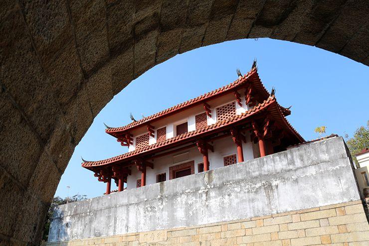 台南の有名観光スポット「大南門」