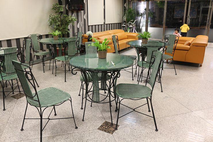 台南のビジネスホテル「碳佐麻里商務旅店」のカフェテリア