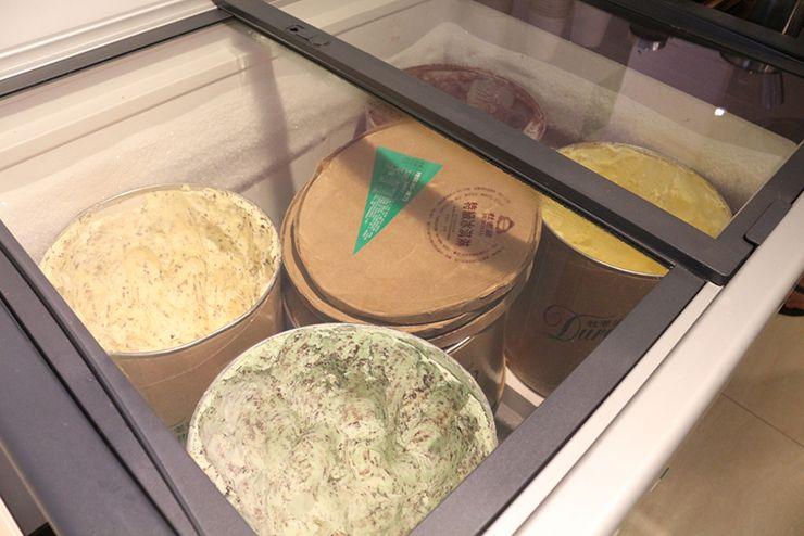 台南のビジネスホテル「碳佐麻里商務旅店」のモーニングビュッフェ(アイスクリーム)