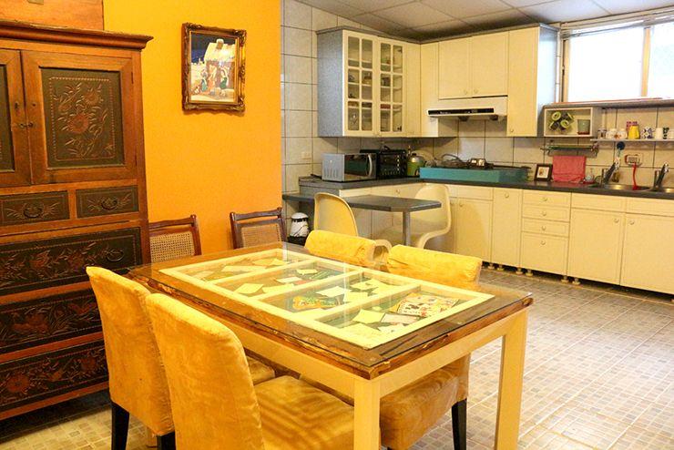 花蓮のLGBTフレンドリーゲストハウス「桂憩 Sweet Olive」のダイニングスペース