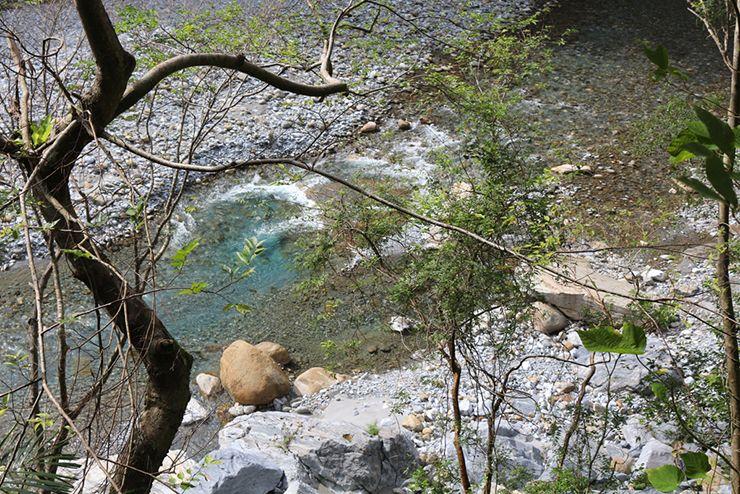 花蓮・太魯閣國家公園(タロコ)「砂卡礑步道」から見える水の流れ