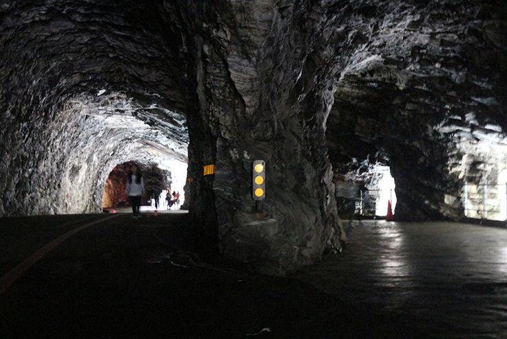 花蓮・太魯閣國家公園(タロコ)「燕子口」のトンネル