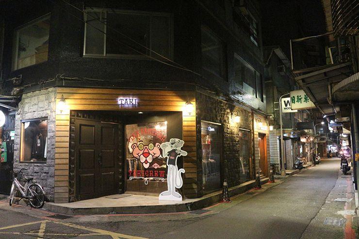 台北・西門町路地裏のセレクトショップ