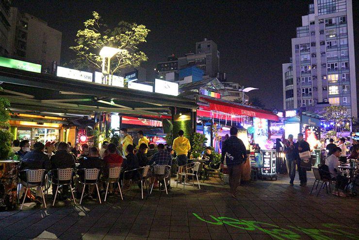 台北・西門町「西門紅樓」のオープンカフェ