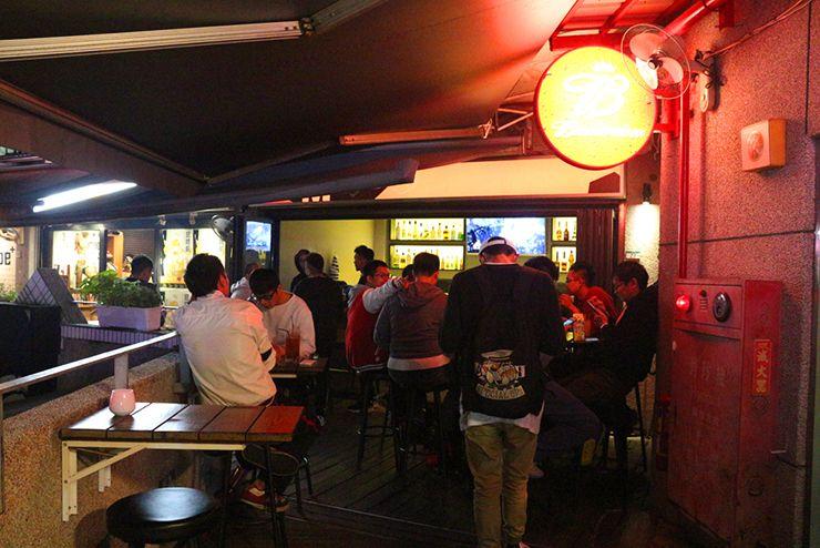 台北・西門町「西門紅樓」のオープンカフェ2階