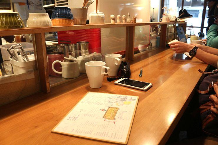 台北・台電大樓のカフェ「喜鵲咖啡 Pica Pica Cafe」のカウンター
