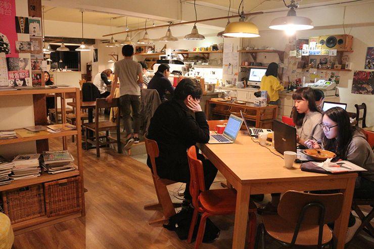 台北・台電大樓のカフェ「喜鵲咖啡 Pica Pica Cafe」の店内