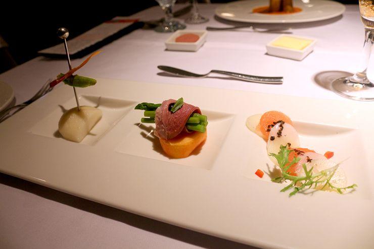 台湾の高級ステーキチェーン「王品 Wang Steak」のサラダ3種