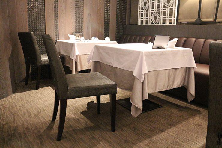 台湾の高級ステーキチェーン「王品 Wang Steak」のテーブル席