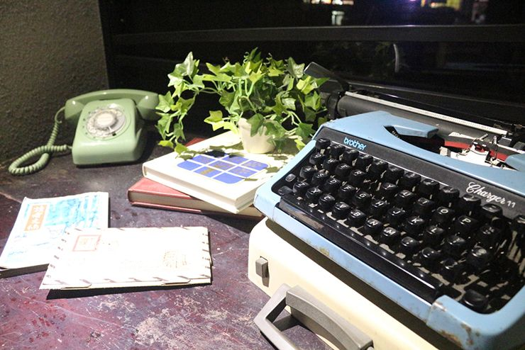 台北・西門町のLGBTフレンドリーホテル「町・記憶旅店 Cho Hotel」エレベーターホールのタイプライター