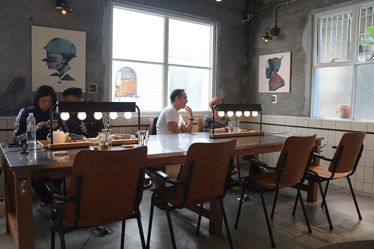 高雄・美麗島の古民家カフェ「喜八咖啡店」の店内