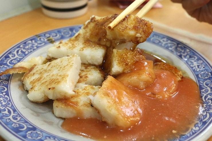 台北・西門町のおすすめグルメ「天天利美食坊」の蘿蔔糕(大根もち)