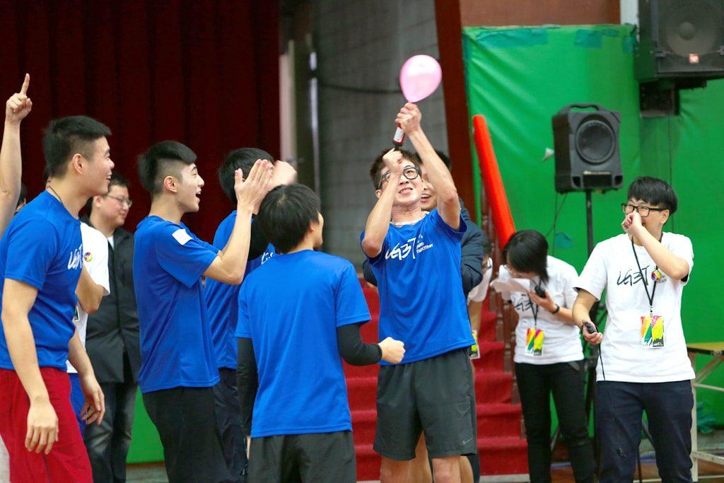 台灣同志運動會(台湾LGBT運動会)2016の風船空気入れ競争
