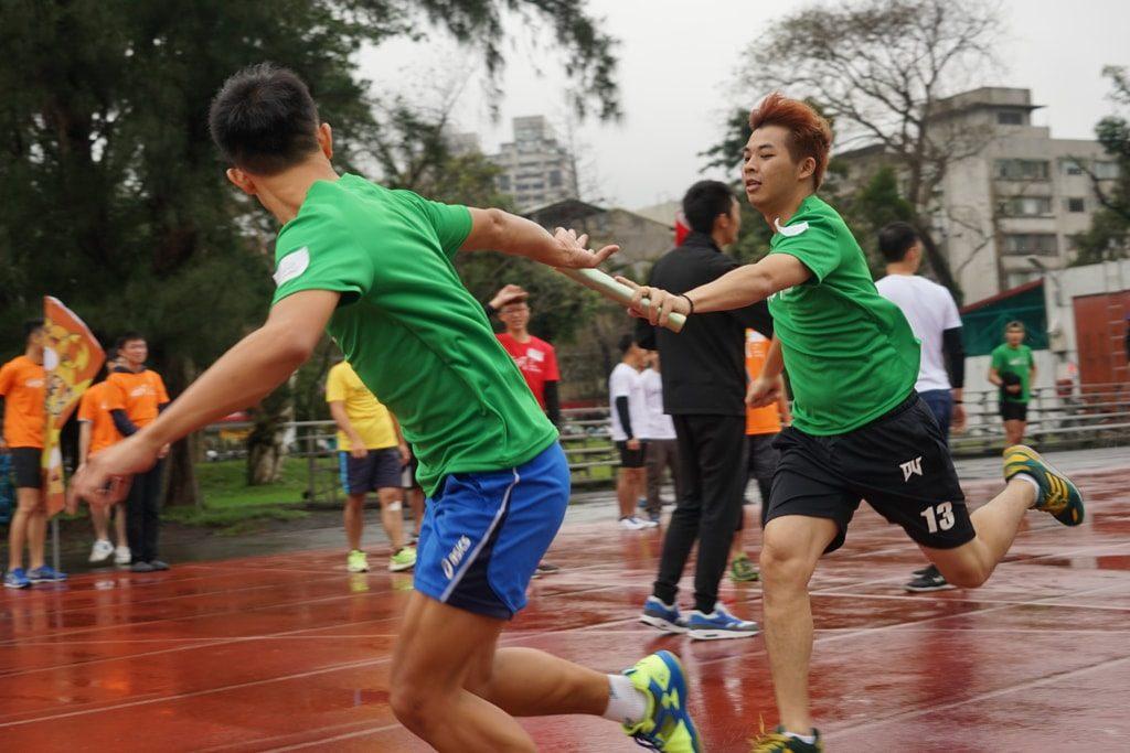 台灣同志運動會(台湾LGBT運動会)2016のリレー競争バトンタッチ