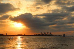 台北・淡水から眺める夕暮れの景色
