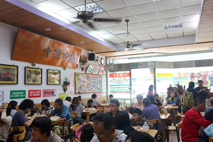 台湾のお米どころ台東・池上のお弁当屋さん「家鄉正宗池上飯包」の店内