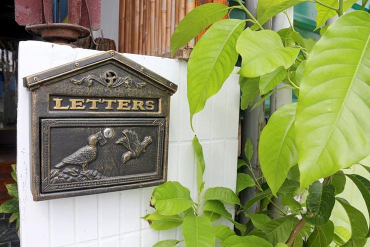台東・池上のおしゃれゲストハウス「曬穀場 Buda Banai」の郵便ポスト