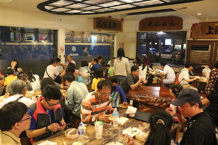 台湾のお米どころ台東・池上のお弁当屋さん「悟饕池上飯包」の店内