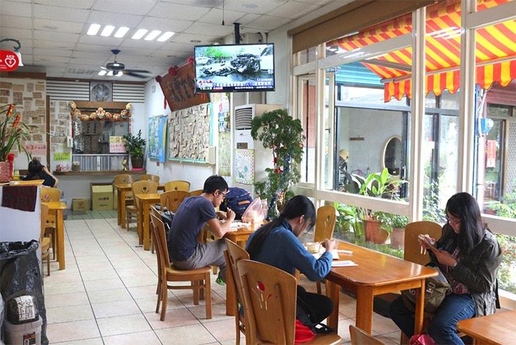 台湾のお米どころ台東・池上のお弁当屋さん「全美行池上便當」の店内