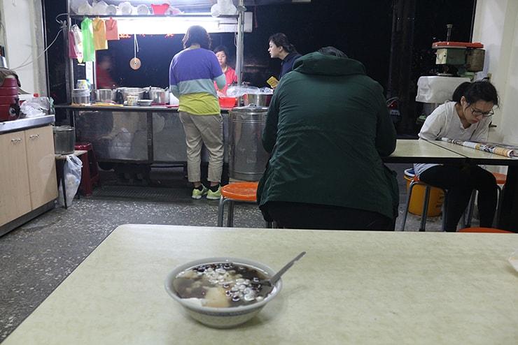 台北・永安市場「華泰豆花・粉圓」の店内