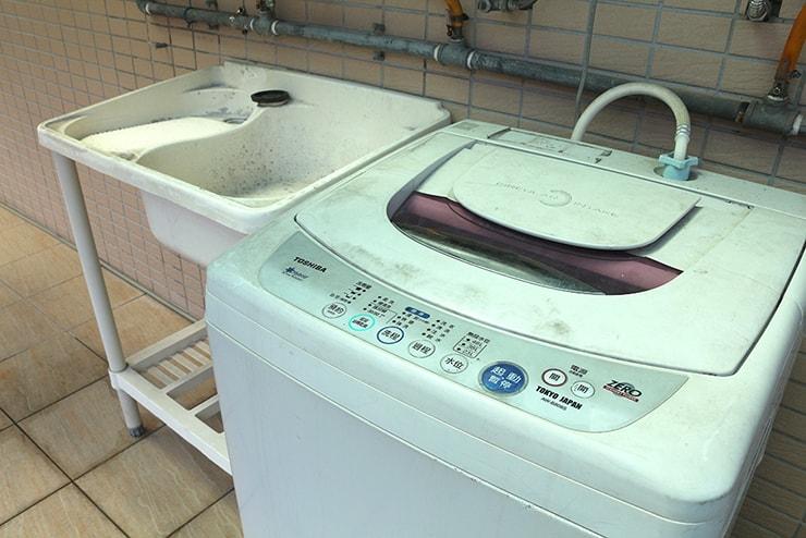 台湾賃貸物件の共用スペースにある洗濯機