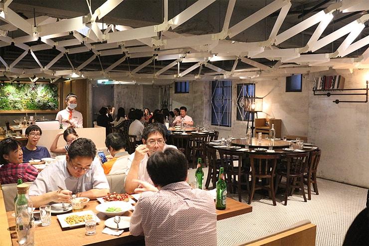 本格台湾料理レストラン「參和院(忠孝店)」の2階席
