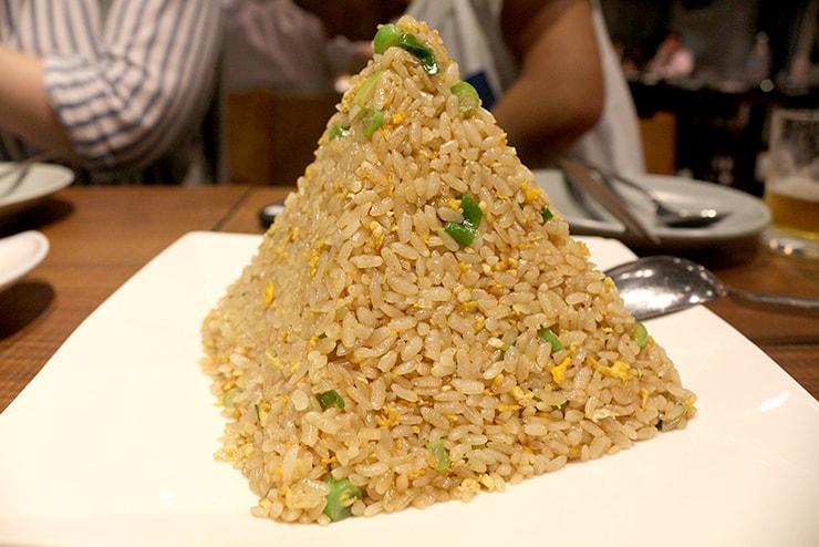 本格台湾料理レストラン「參和院(忠孝店)」のピラミッド型チャーハン「參和院蛋炒飯」