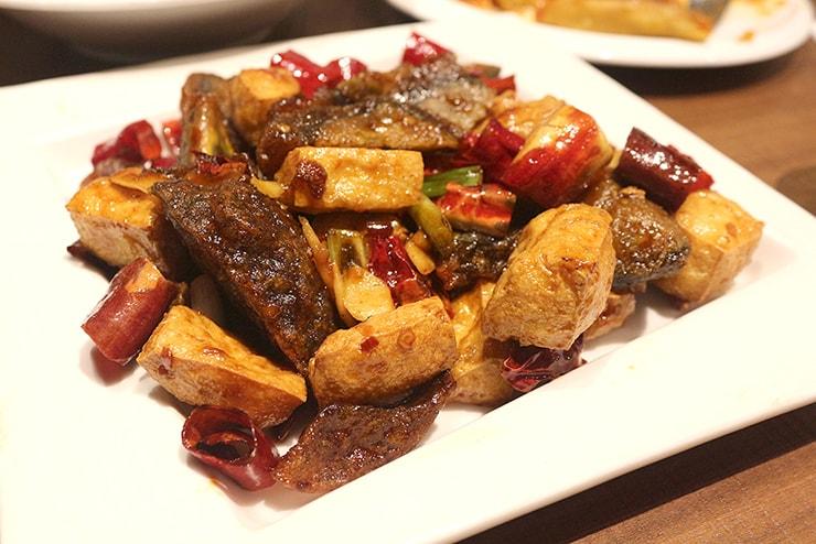 本格台湾料理レストラン「參和院(忠孝店)」の宮保皮蛋臭豆腐(揚げピータン豆腐)
