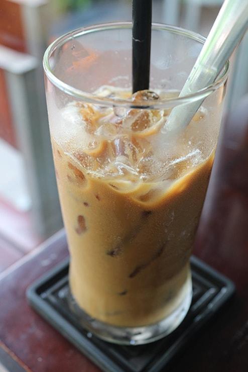 ベトナムの名物コーヒー「カフェスアダー」