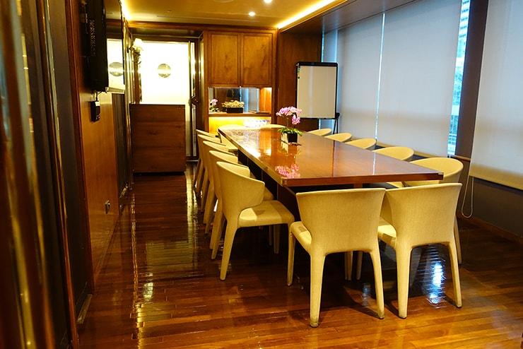 台北・信義區のLGBTフレンドリーホテル「home hotel」の会議室