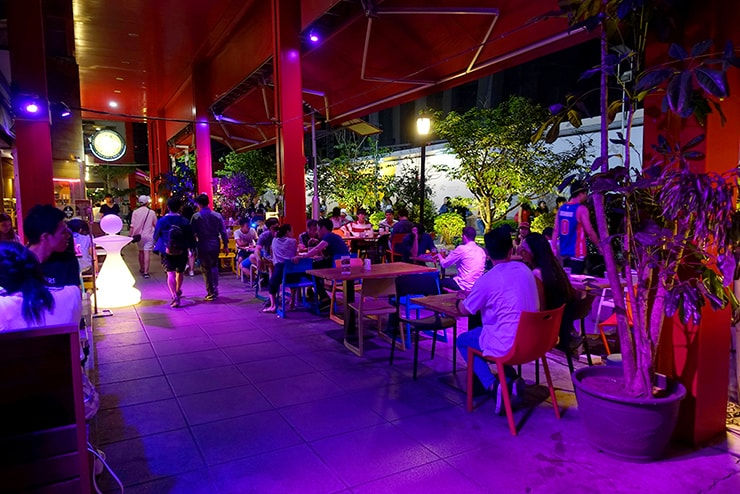 台北・信義區のおしゃれなレストラン&バーストリート