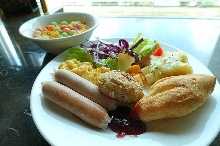 台北・信義區のLGBTフレンドリーホテル「home hotel」の朝食バイキング
