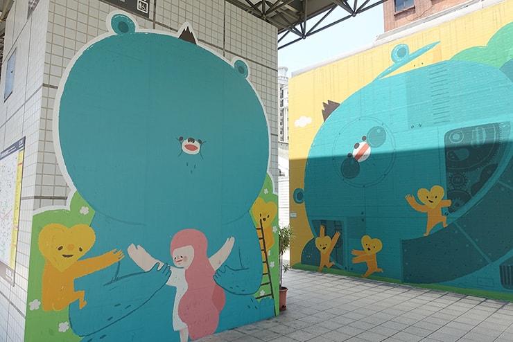 台北MRT(地下鉄)中山駅周辺に登場したかわいいクマのキャラクター