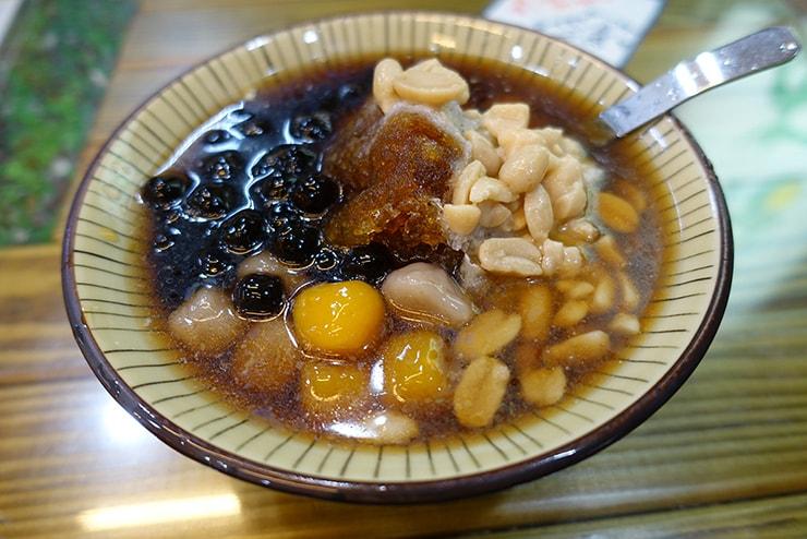 台北・石牌「豆花林」の黑糖養生豆花