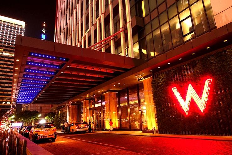 台北・信義區のLGBTフレンドリーホテル「W Taipei」のエントランス